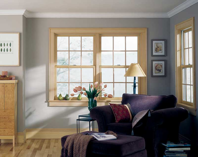 Pella Architect Series Doublehung with Traditional Square Grilles.